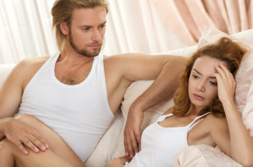 Кровянистые выделения у женщин: нормы, причины патологий